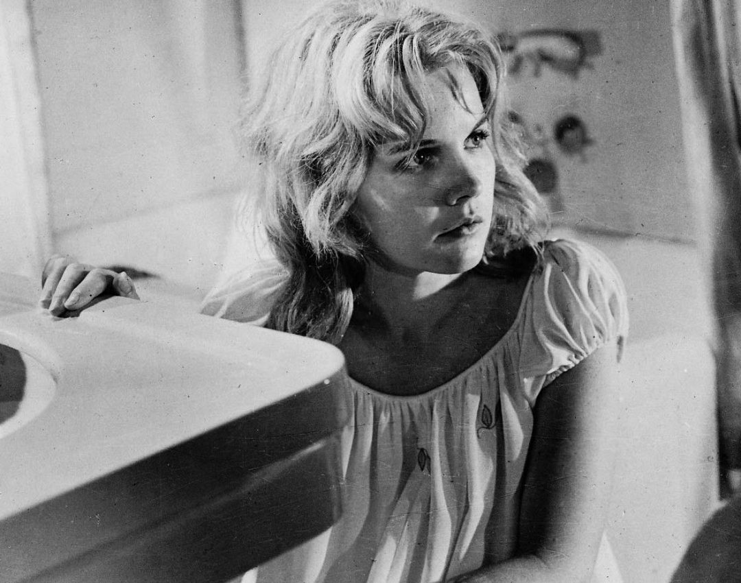 Carroll Baker in Something Wild